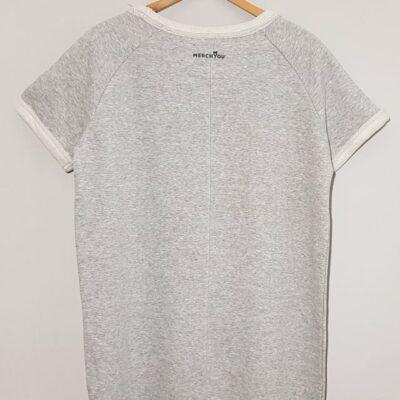 Slou trikošaty šedé back